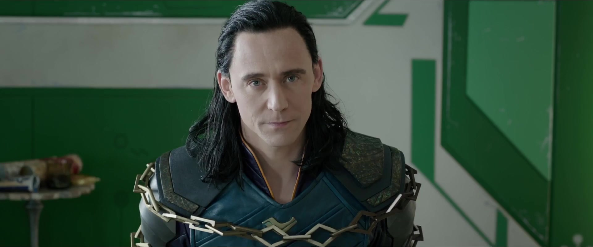 (Thor: Ragnarok) Tom Explains the Relationship Between Thor and Loki