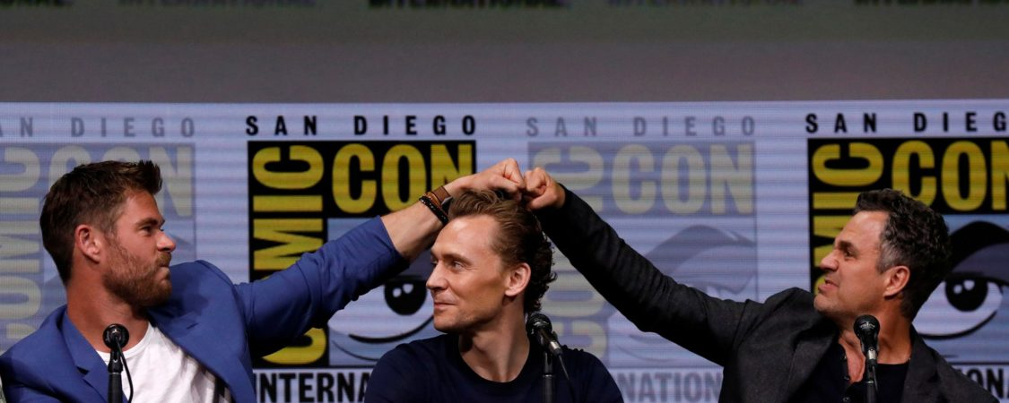 [Photos] Tom Attends Thor: Ragnarok Panel at Comic Con