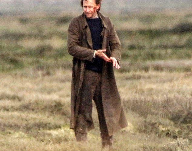 Tom Hiddleston on the Set of The Essex Serpent (+Photos)