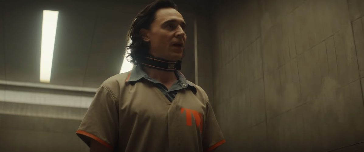 """New Loki Clip """"Introducing Agent Mobius"""" presented by Tom at MTV Movie Awards"""